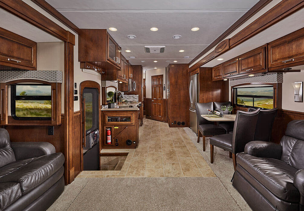 Renegade Classic Motorhome With Garage