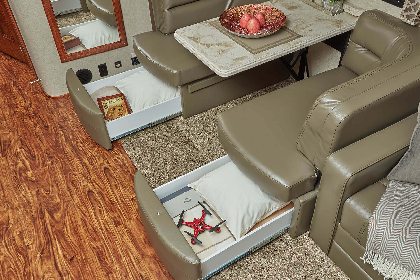 Freightliner Motorhomes Renegade Verona Motor Coach 04 F350 Glow Plug Wiring Diagram On 40vbh Enjoy 30 X 80 Bunk Beds With Privacy Curtains