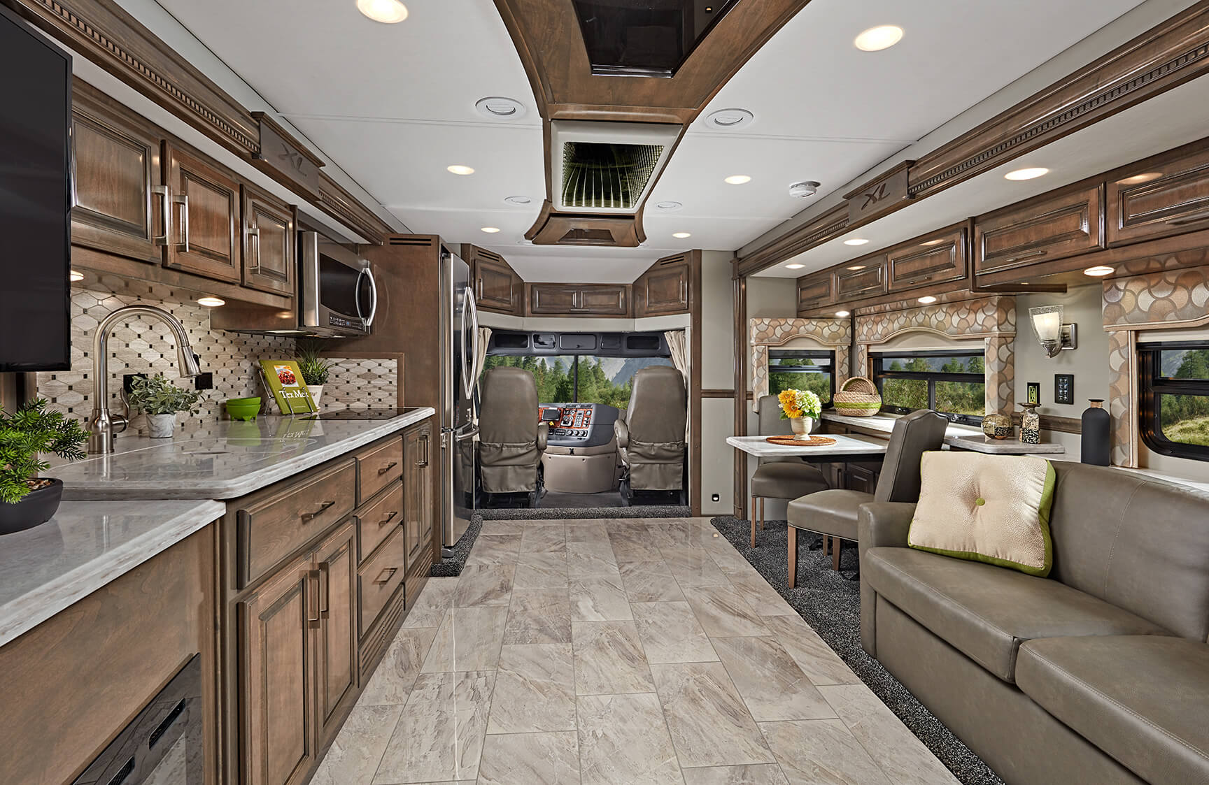 Renegade Xl High End Motorhomes Super C Motorhomes